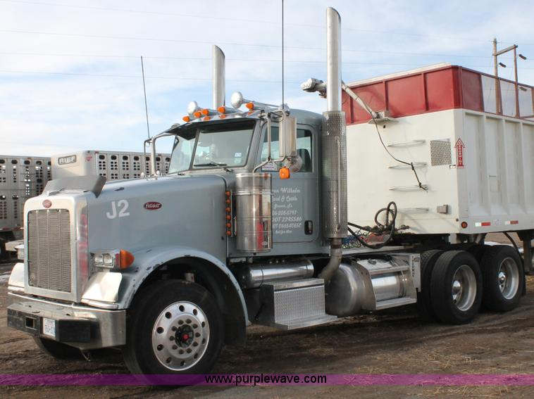 C3719.JPG - 2009 Peterbilt 367 semi truck , 771,159 miles on odometer , Cummins ISX 14 9L L6 diesel engine , Eat...