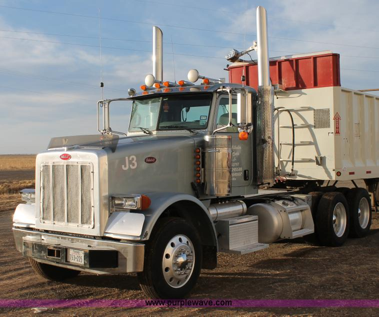 C3723.JPG - 2009 Peterbilt 367 semi truck , 746,805 miles on odometer , Cummins ISX 14 9L L6 diesel engine , Eat...