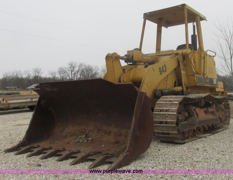 AB9282.JPG - 1985 Caterpillar 943 LGP track loader , 7,300 hours on meter , Caterpillar four cylinder diesel engi...