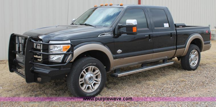 C3715.JPG - 2011 Ford F250 King Ranch Super Duty Crew Cab pickup truck , 39,772 actual miles , 6 7L V8 OHV 16V d...