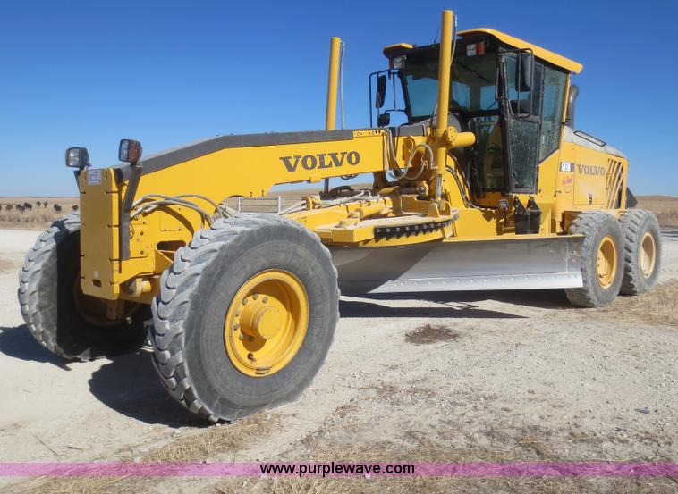 F8146.JPG - 2007 Volvo G930 articulated motor grader , 9,979 hours on meter , Hours may vary, still in use , Vol...