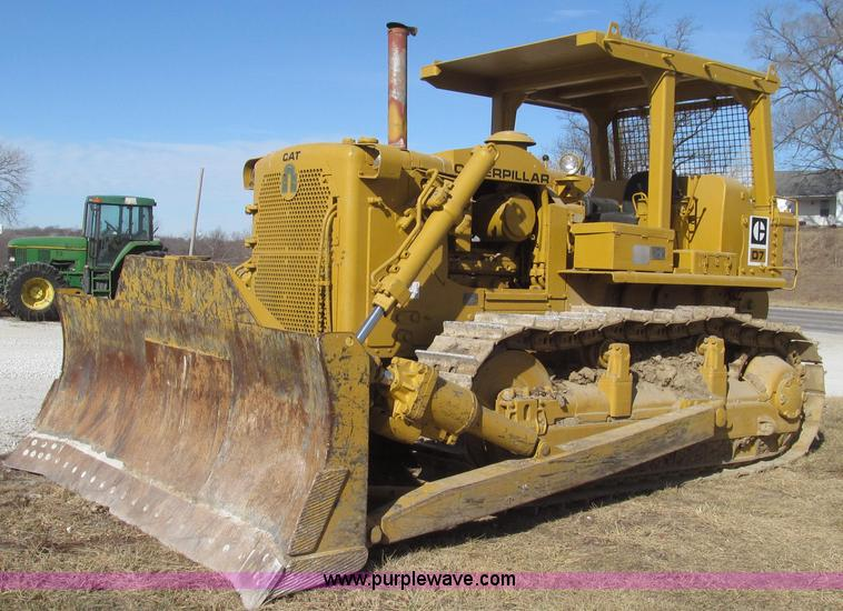 G2220.JPG - 1972 Caterpillar D7F dozer , 2,298 actual hours , Caterpillar D333T six cylinder diesel engine , 180...
