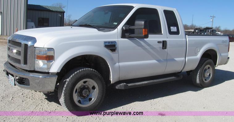 G2238.JPG - 2008 Ford F250 XLT Super Duty SuperCab pickup truck , 189,754 miles on odometer , 5 4L V8 SOHC 16V g...