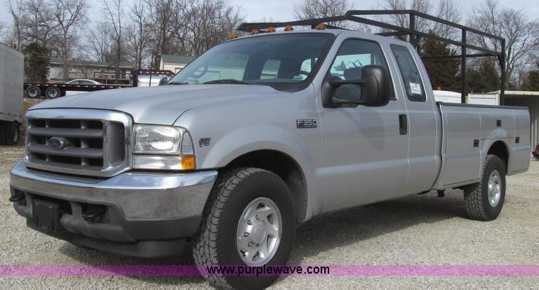 G2249.JPG - 2002 Ford F350 Super Duty XLT SuperCab utility truck , 23,352 actual miles , 5 4L V8 SOHC 16V gas en...