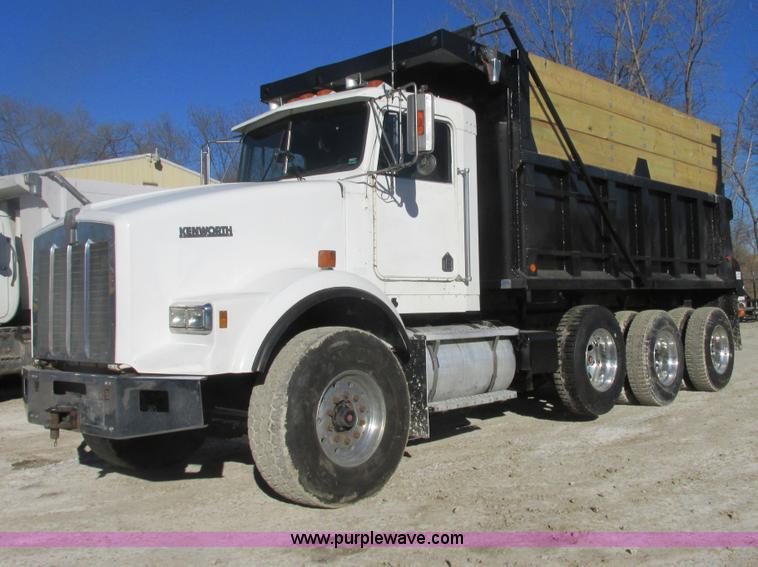 H7744.JPG - 1992 Kenworth T800 dump truck , 388,661 actual miles , Caterpillar 3406 14 6L diesel engine , Eight ...
