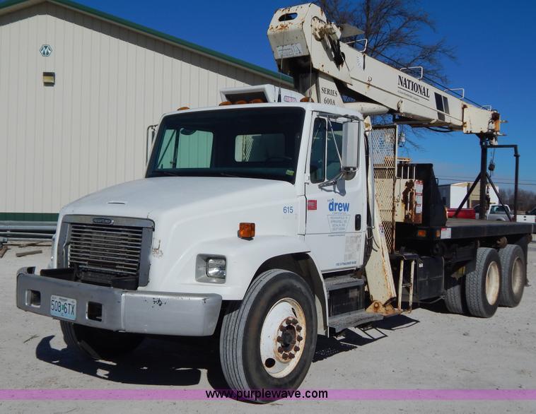 I1237.JPG - 1998 Freightliner FL80 crane truck , 36,032 miles on odometer , 9,816 hours on meter , Cummins ISC 8...