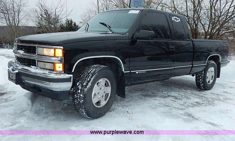 I9416.JPG - 1997 Chevrolet 1500 Z71 Ext Cab pickup truck , 243,461 miles on odometer , 5 7L V8 OHV 16V gas engin...