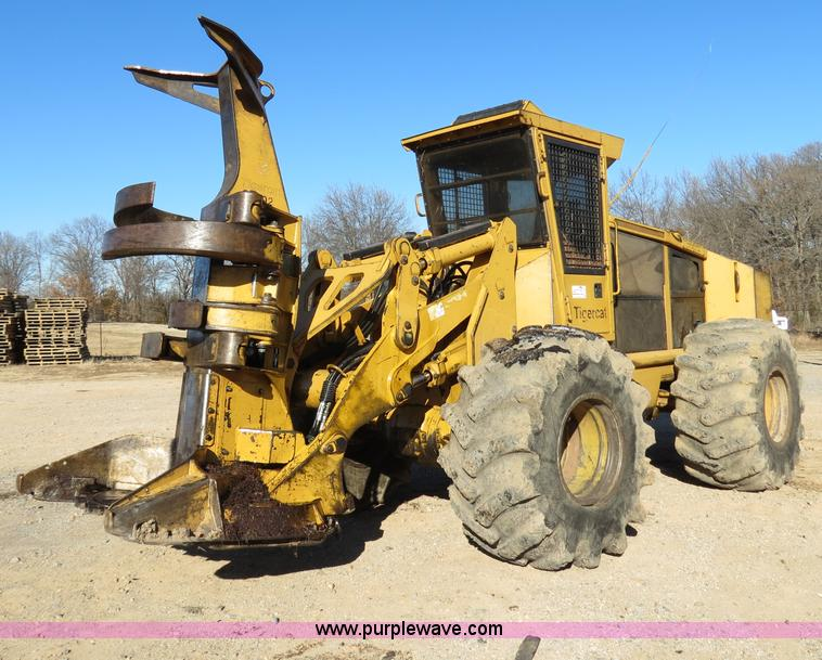 B4844.JPG - 2004 Tigercat 724D feller buncher , 823 hours on meter , Cummins QSB8 3 Tier II 8 3L six cylinder tu...