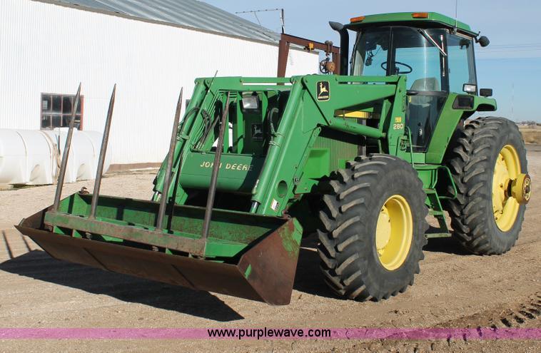 C3749.JPG - 1992 John Deere 4560 MFWD tractor , 8416 hours on meter , John Deere 7 6L six cylinder diesel engine...