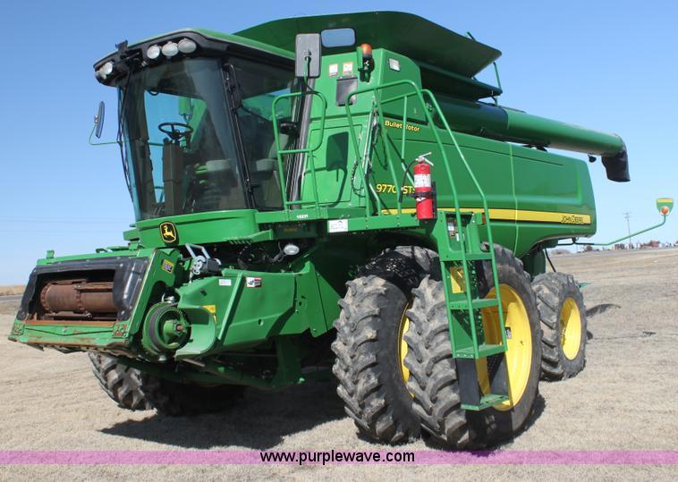G4065.JPG - 2010 John Deere 9770 STS 2WD combine , 1,973 engine hours on meter , 1,452 separator hours on meter ...