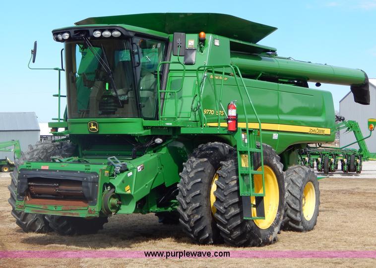 G9362.JPG - 2010 John Deere 9770 STS 2WD combine , 1,632 engine hours on meter , 1,207 separator hours on meter ...