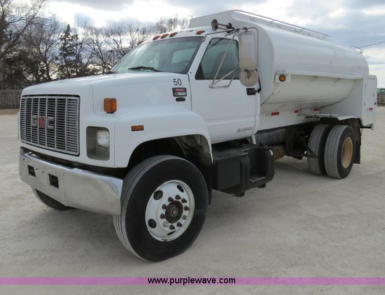 B4819.JPG - 2000 GMC C7500 fuel truck , 361,506 miles on odometer , Caterpillar 3126 7 2L six cylinder turbo die...