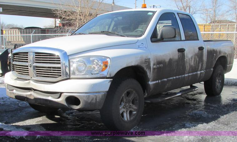 G9165.JPG - 2008 Dodge Ram 1500 Quad Cab pickup truck , 130,936 miles on odometer , 5 7L V8 OHV 16V gas engine ,...