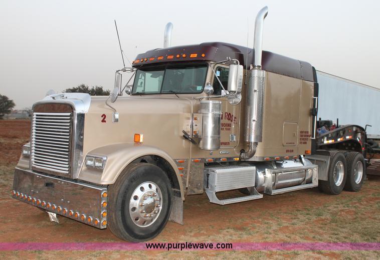 C3760.JPG - 1998 Freightliner FLD semi truck , 317,672 miles on odometer , Detroit Diesel Series 60 12 7L L6 die...