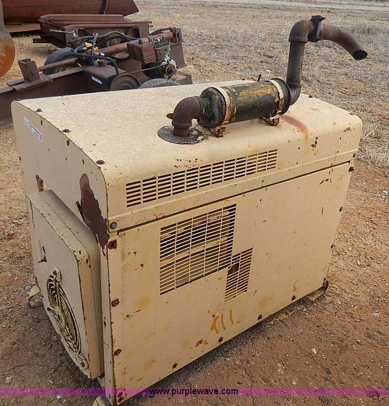 AP9017.JPG - NAN electric generator , Model 60DJ5 3CR17AA , Serial 1789L70265 ...