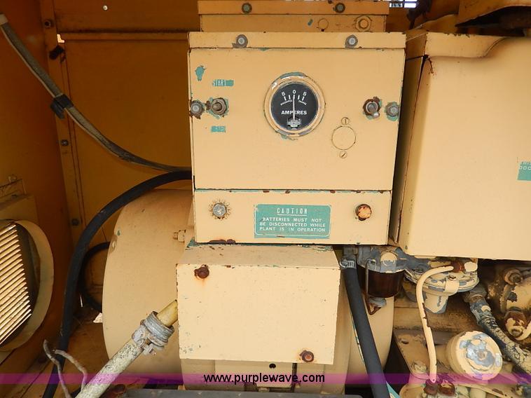 AP9017E.JPG - NAN electric generator , Model 60DJ5 3CR17AA , Serial 1789L70265 ...