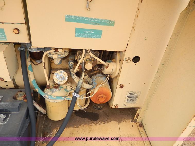 AP9017H.JPG - NAN electric generator , Model 60DJ5 3CR17AA , Serial 1789L70265 ...