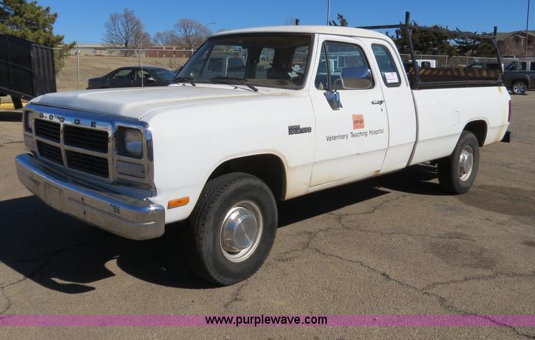 Vehicles and equipment auction in by Purple Wave Auction