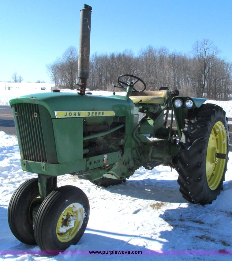 G8877.JPG - 1963 John Deere 2010 tractor , John Deere 2 4L four cylinder gas engine , 47 HP , Syncho transmissio...