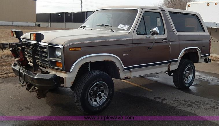 1982 ford bronco xlt suv no reserve auction on tuesday. Black Bedroom Furniture Sets. Home Design Ideas
