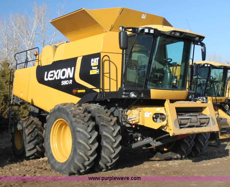 I7486.JPG - 2010 Lexion 580R Claas combine , 867 engine hours on meter , 622 separator hours on meter , Caterpil...