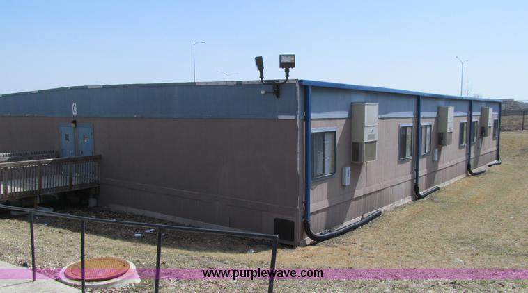 2003 united modular 6 plex portable classroom building for Modular 4 plex