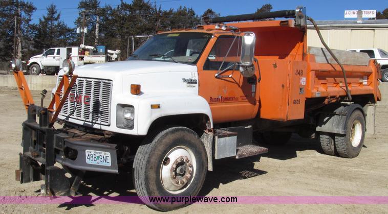 G2275.JPG - 1990 GMC TopKick SL dump truck , 194,165 miles on odometer , Caterpillar 3116 6 6L six cylinder dies...