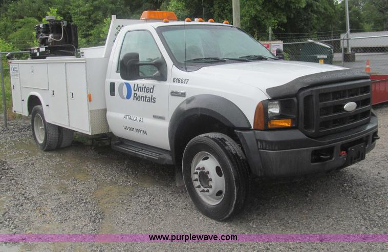 AQ9817.JPG - 2006 Ford F550 Super Duty XL service truck , 183,991 miles on odometer , 6 0L V8 OHV 32V turbo diese...