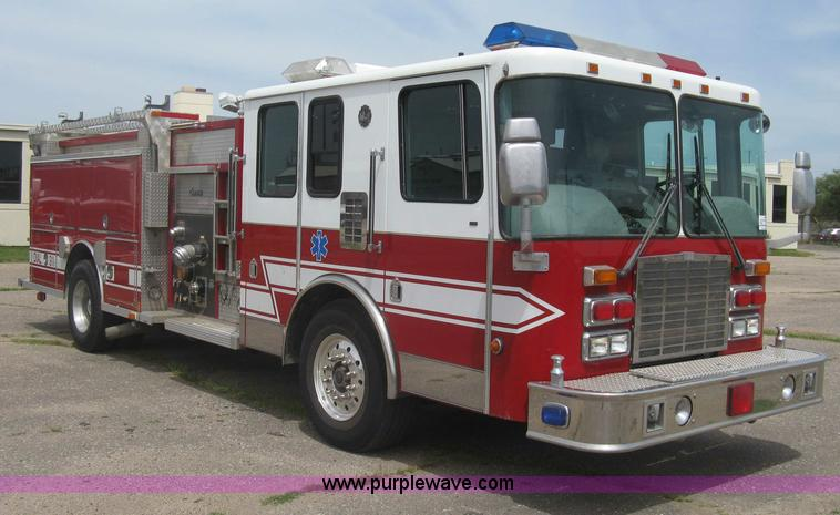 H5460.JPG - 1999 HME 1871 fire truck , 3,970 hours on meter , Detroit Diesel Series 60 diesel engine , Automatic...