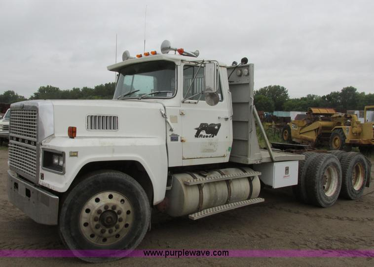 1982 Ford Ltl 9000 Semi Truck 1982 Ford Ltl 9000 Semi