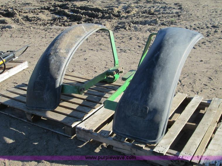 Mfwd Tractor Fenders : Ag equipment auction in kinsley kansas by purple wave