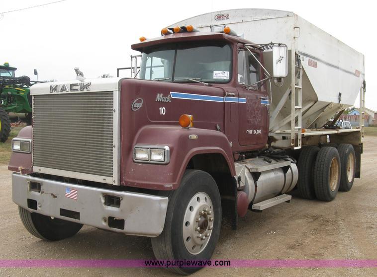 1985 Mack Truck : Mack rw superliner tender truck no reserve
