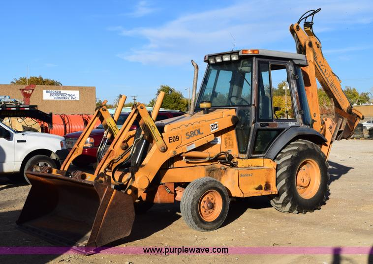 Case 580l Backhoe Seat : Nomug construction estate auction in chanute kansas by
