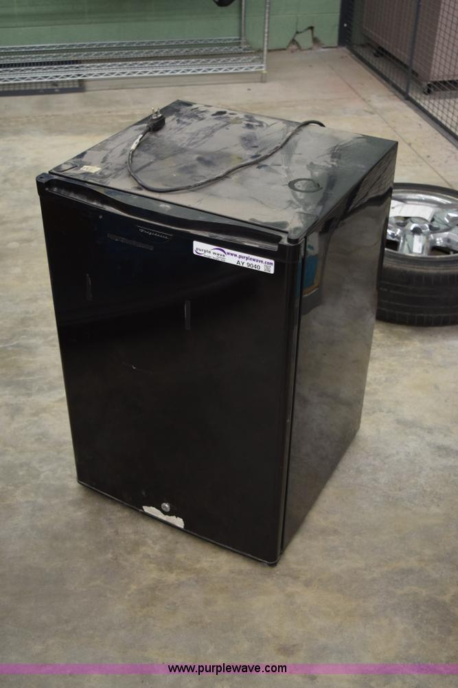 Frigidaire Frc05l5db1 Mini Refrigerator No Reserve