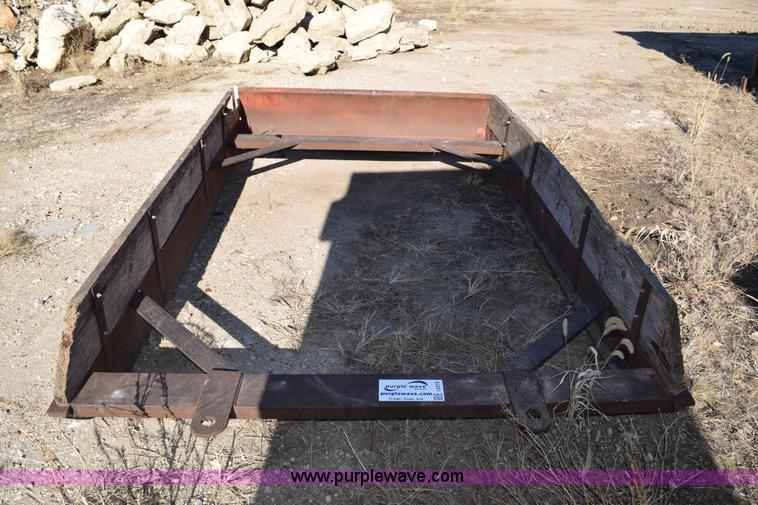 Manhattan trenching retirement auction in