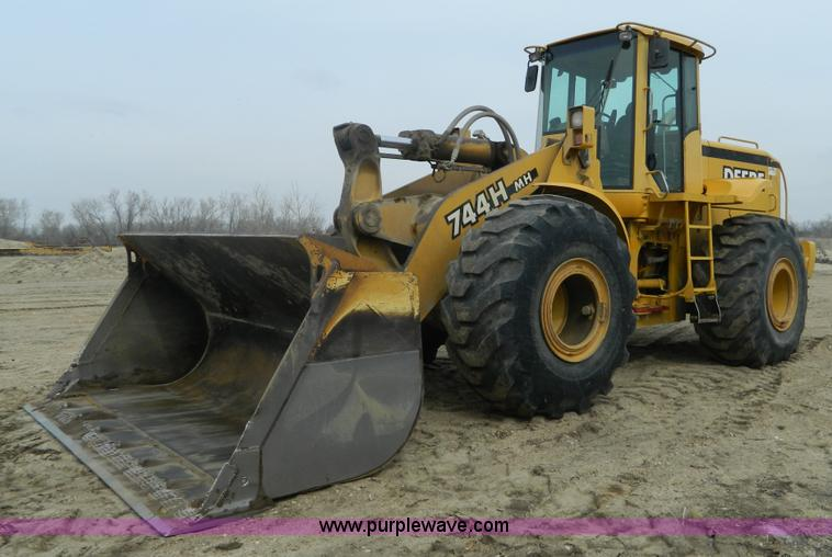 Construction Equipment Auction in Lansing, Kansas by Purple Wave Auction