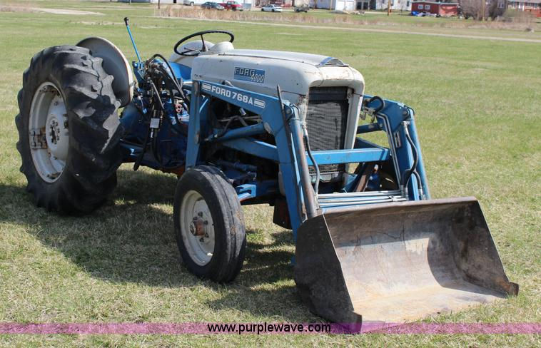 Ford 4000 Tractor Controls : Government auction in osborne kansas by purple wave