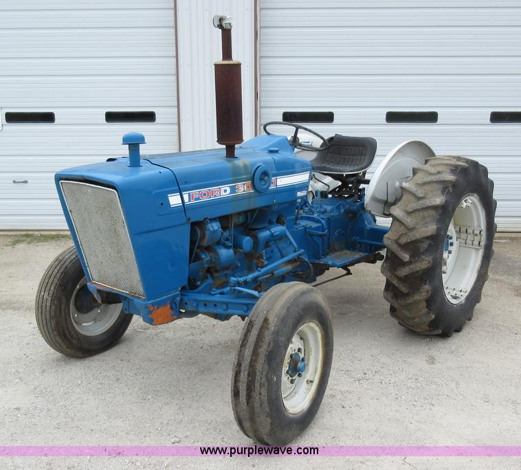 Ford 3000 Gas : Ford tractor no reserve auction on wednesday may