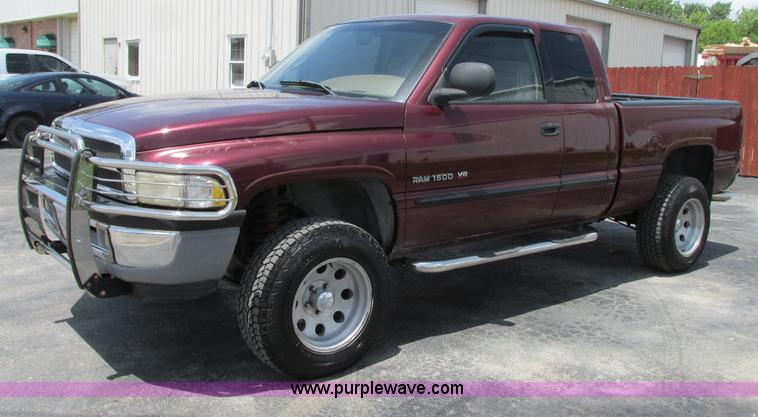 B on 2003 Dodge Dakota Running Boards