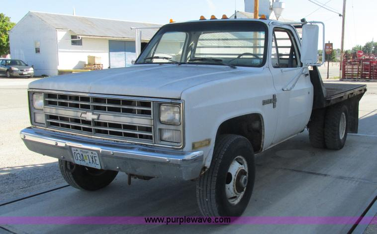 1987 chevrolet k30 flatbed pickup truck no reserve. Black Bedroom Furniture Sets. Home Design Ideas