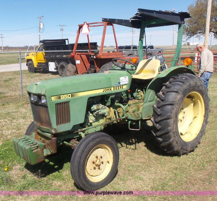 John Deere 950 Tractor Seat : Ag equipment auction in girard kansas by purple wave