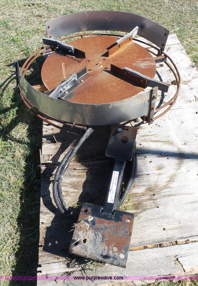 Hydraulic Chaff Spreader : Ag equipment auction in by purple wave inc