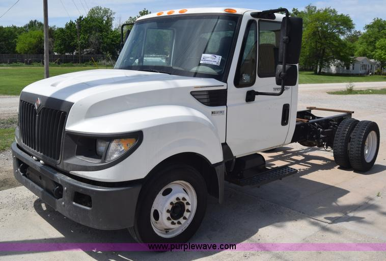 Vehicles And Equipment Auction In Topeka  Kansas By Purple
