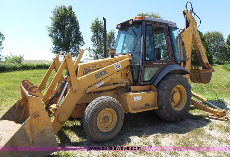 Case 580l Backhoe Seat : Construction equipment auction in kanopolis kansas by