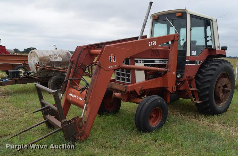 1086 Ih Sprayer : Ag equipment auction in chanute by purple wave
