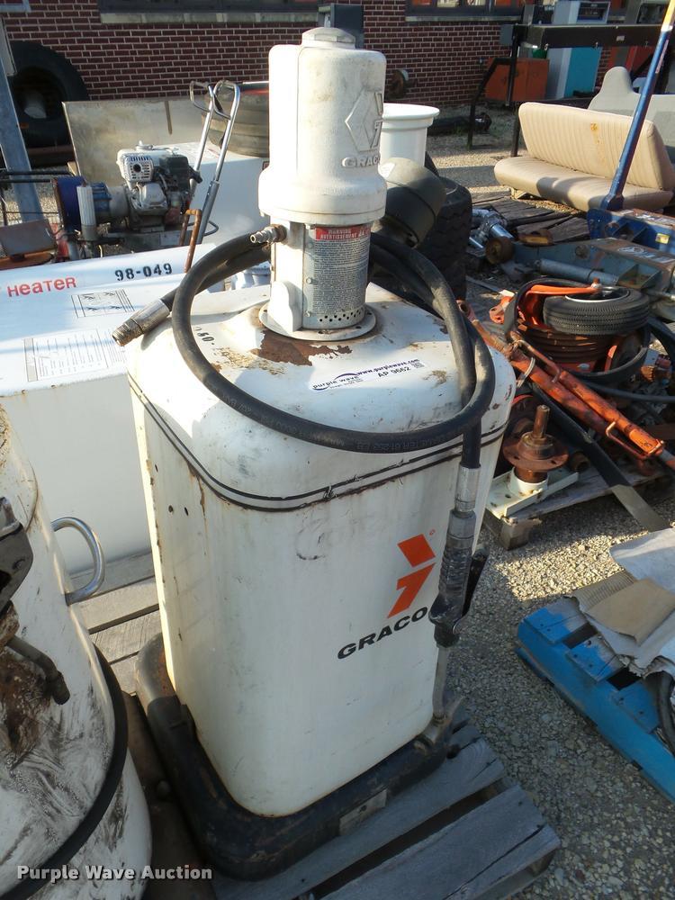 1992 Graco 226-375 grease dispenser