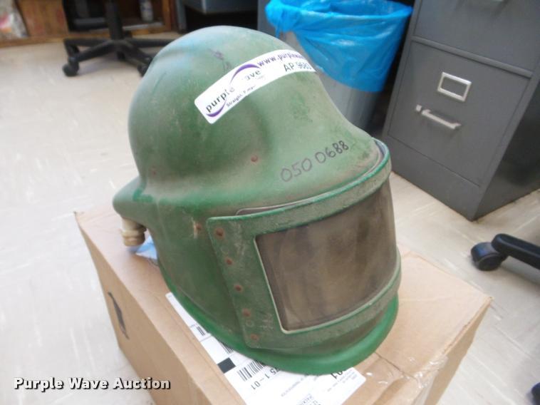 1987 Plsan 20330 respirator helmet