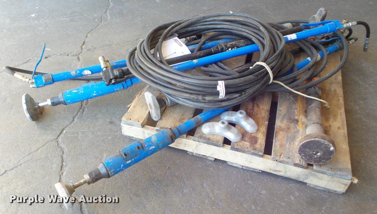 (6) hydraulic tampers