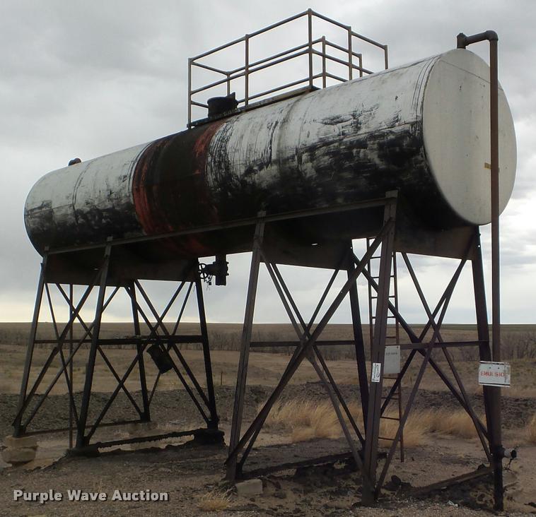 1954 R&R asphalt storage tank