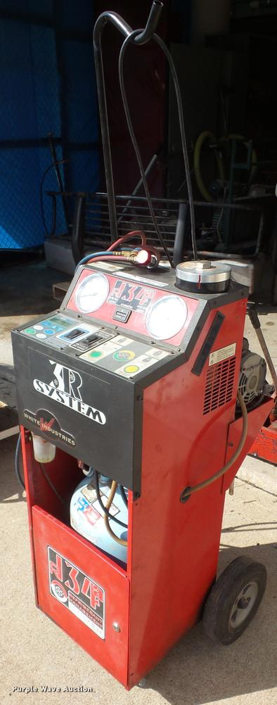 2001 White Industries 1090 R134A refrigerant recycler